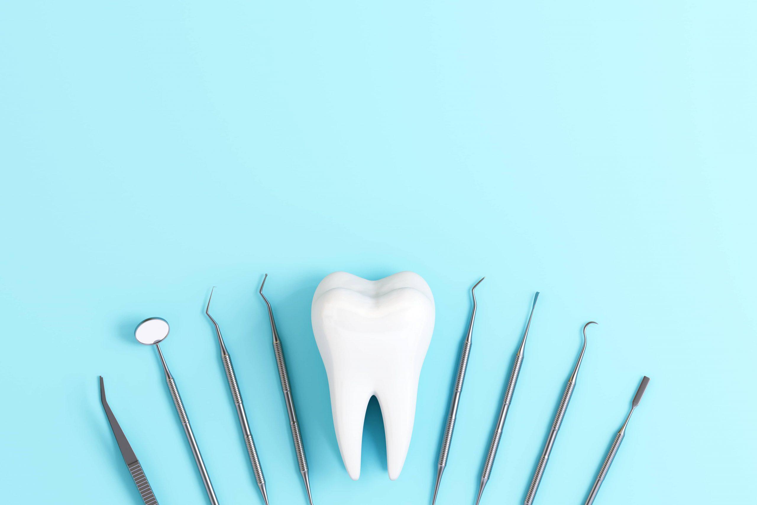 Behandlungsbesteck eines Zahnarzt in München