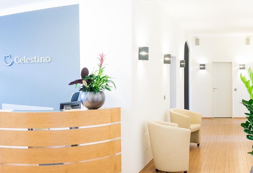 Eingangsbereich Zahnarztpraxis Celestino in der Maxvorstadt